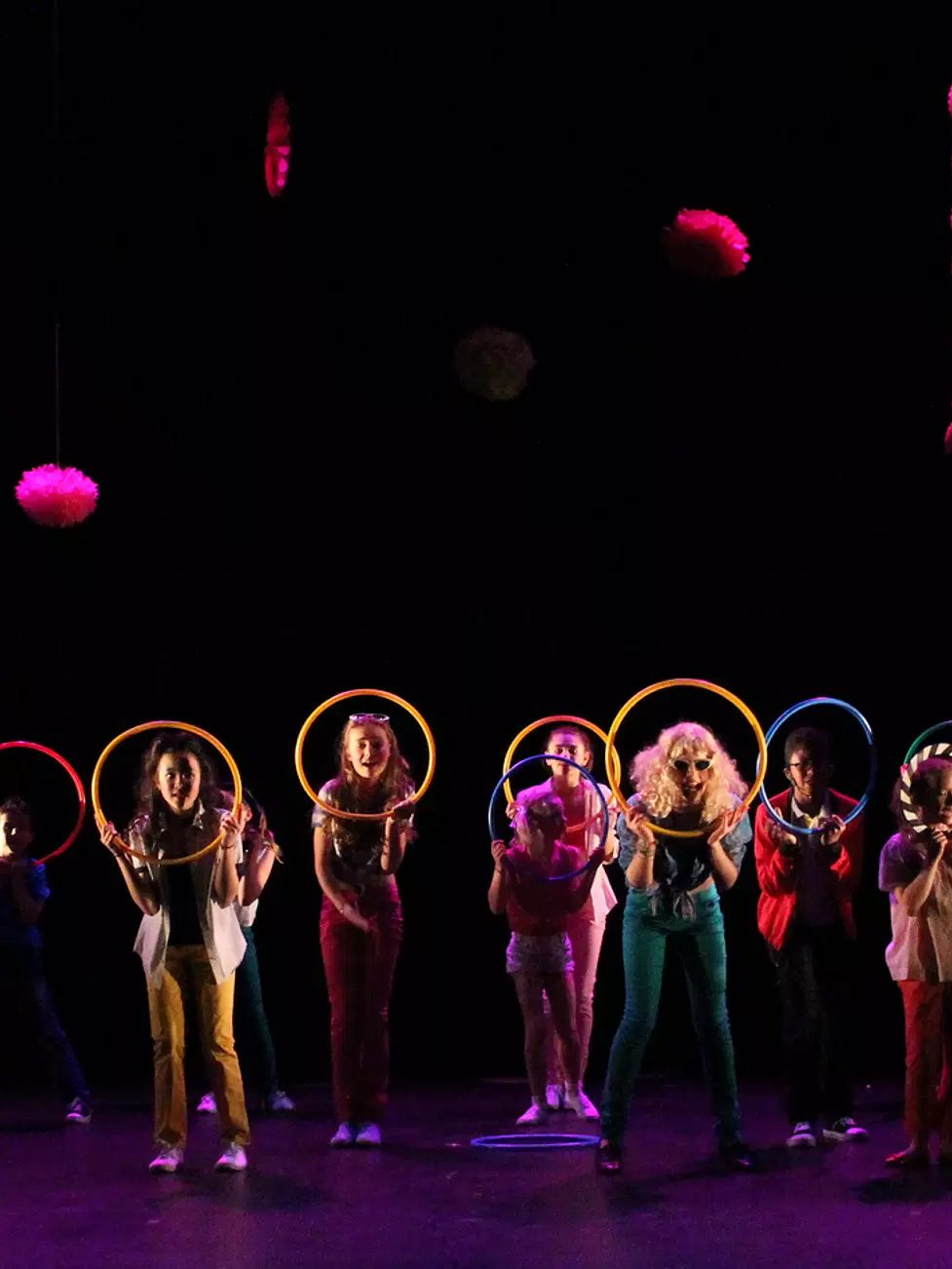 Stage Xmas de comédie musicale Hello Broadway